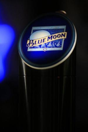Shark Club - Newcastle: Blue Moon on tap!