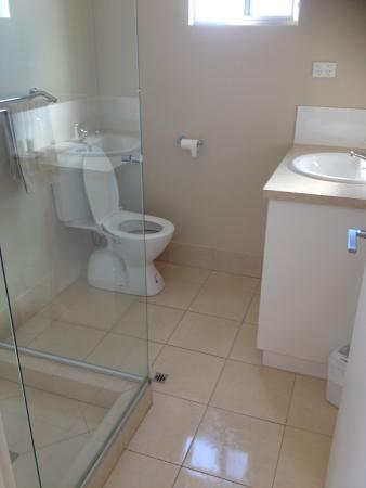 Merredin, Australia: Cabin 24 bathroom