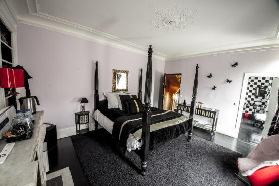la chambre alice au pays des merveilles photo de maison d 39 hotes stella cadente provins. Black Bedroom Furniture Sets. Home Design Ideas