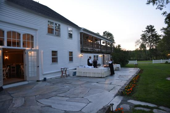Dowds' Country Inn: Brand New Banquet Room Patio
