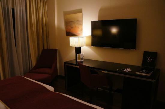 Hotel Paseo del Arte: Room