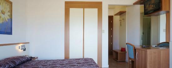 Hotel Continental : camera fronte mare con balcone