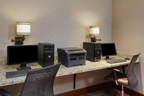 Staybridge Suites Glenview: Business Center