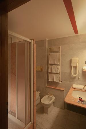 Hotel Sunflower: Bagno/bathroom