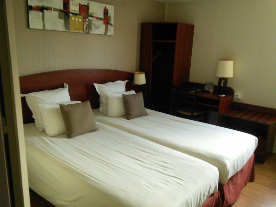 Comfort Hotel Cachan: номер