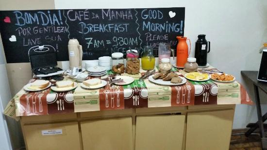 Hostel Porto Do Sol : Bufe do Café da Manhã