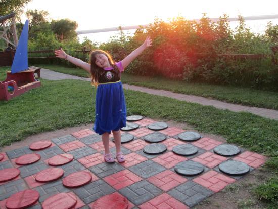 AmericInn Ashland: The BIG checkerboard!
