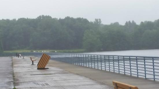 Linesville, Pensilvania: The Walkway