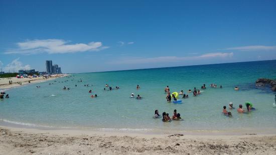 Bal Harbour, FL: magnifique plage et eau claire
