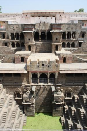 Chand Baori: 階段井戸