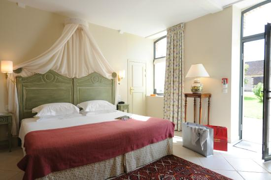 Ch teau du breuil hotel cheverny france voir les for Prix chambre chateau vallery