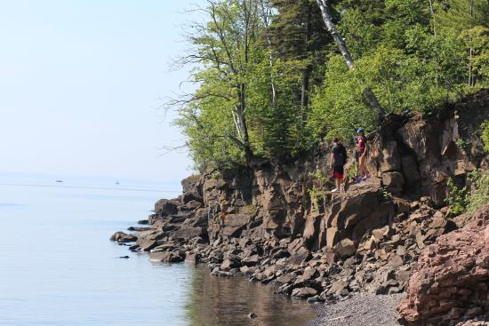 Burlington Bay Campground: shoreline trail