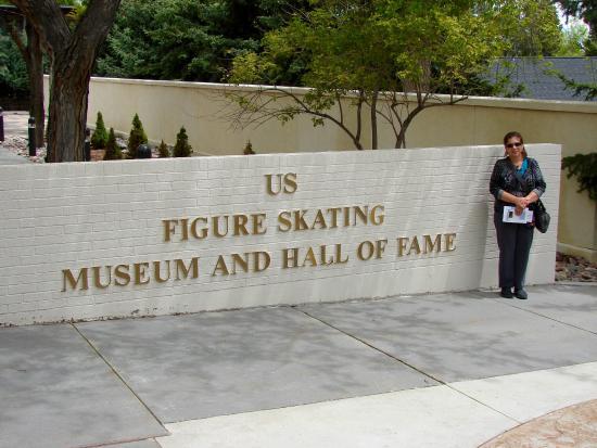 World Figure Skating Museum & Hall of Fame: Entrance