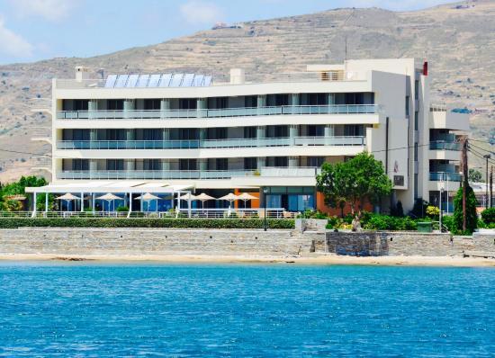 Anastasia Hotel Karystos: Location by the sea