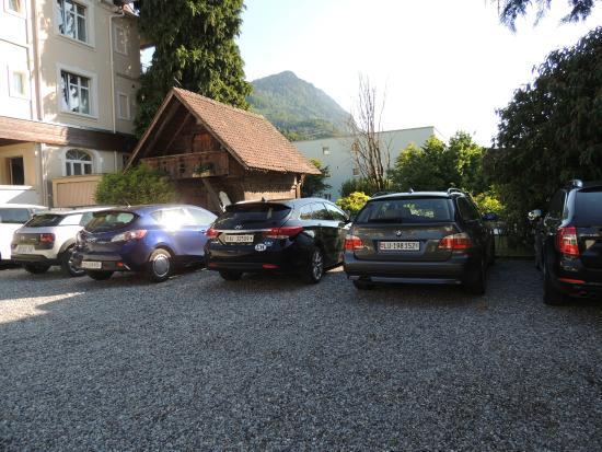 Hotel de la Paix: Estacionamento