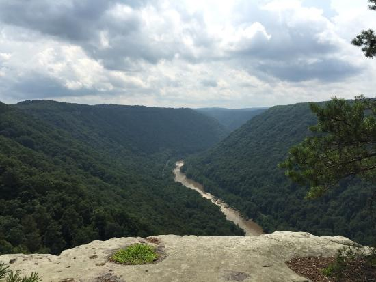 Endless Wall Trail: Simply stunning... Great low key and moderate hike. It has a couple of overlook points throughou