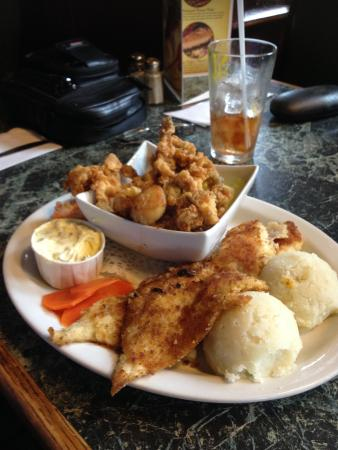 End Of The Line Pub & Grill : the Seafood Platter