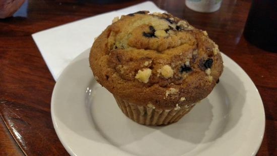 Cafe Royal: Blueberry yogurt muffin