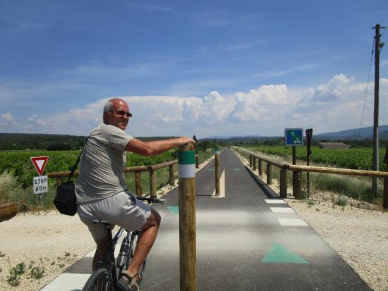 Apt, France: een fietsautostrade bijna voor ons alleen