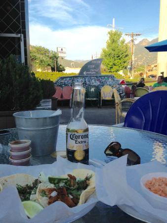 Lone Star Taqueria: Delicious chicken & carnitas tacos on a summer night
