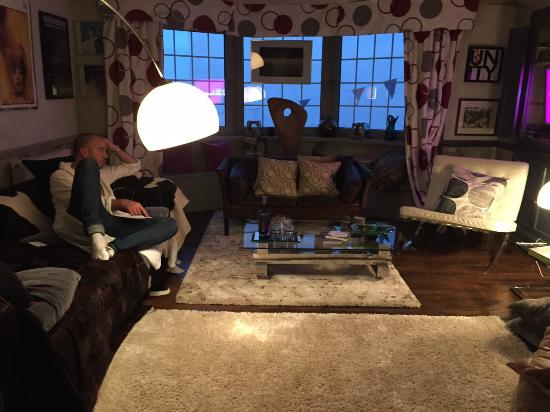 Westcroft Guesthouse Boutique B & B: The lounge with 4 poster room