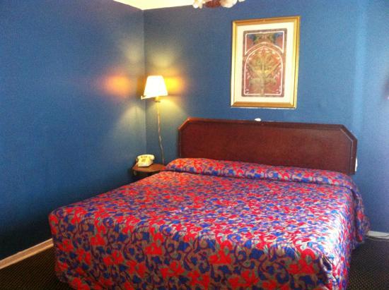 Green Crest Motel: SUITE ROOM KING
