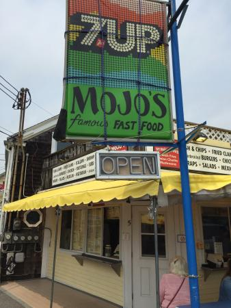 Mojo's: Great place for lunch