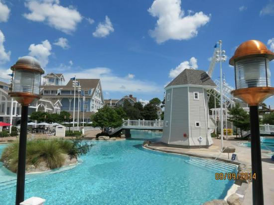 Disney S Yacht Club Resort Beach Pool