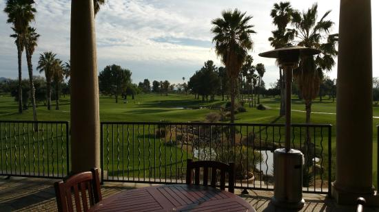 San Jacinto, Kalifornien: Looking out from the Dining Room above the Clubhouse