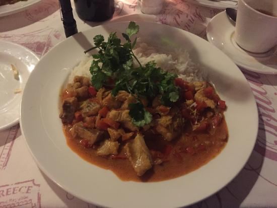 Old Oak Manor and Cafe Felix: Fantastic Fish Curry on Curry Night!