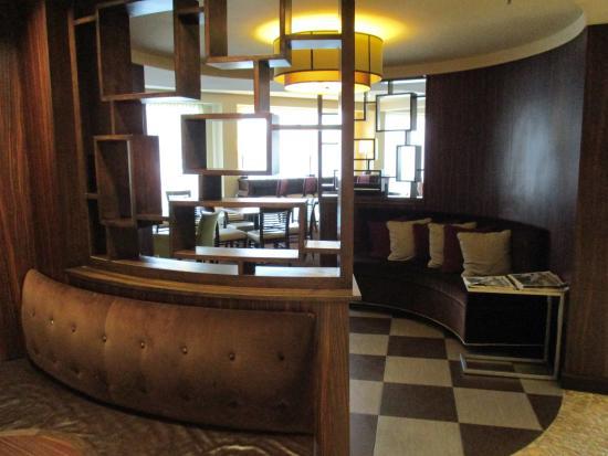 Holiday Inn Express Hampton Coliseum Central : Lounge