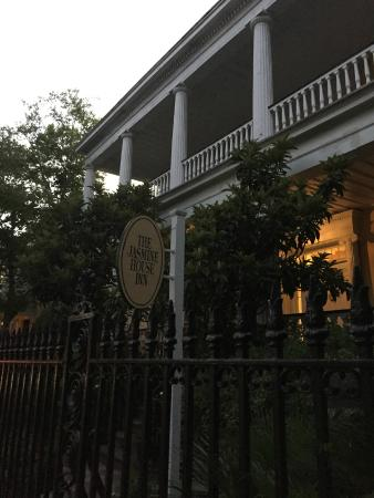 Outside Picture Of Jasmine House Inn Charleston