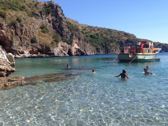 Marina di Camerota, Italia: Cala degli Infreschi