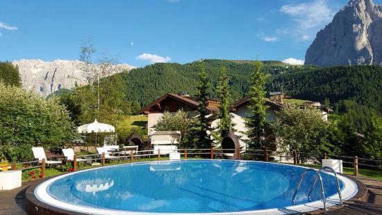 Romantic & Family Hotel Gardenia: Piscina esterna 30 gradi
