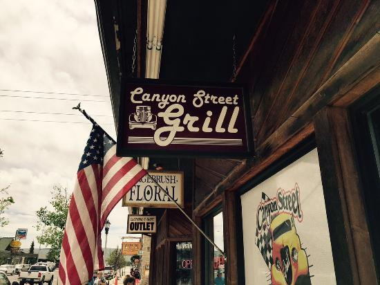 Canyon Street Grill : Street level view
