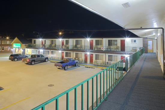 Western Inn Motel: Front Exterior (Night)