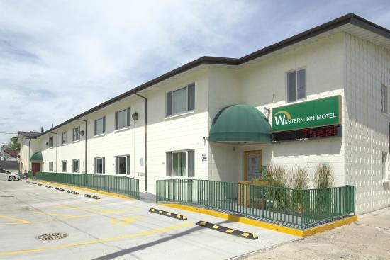 Western Inn Motel: Back Exterior