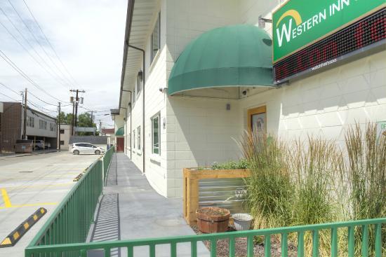 Western Inn Motel: Back Exterior(Day)