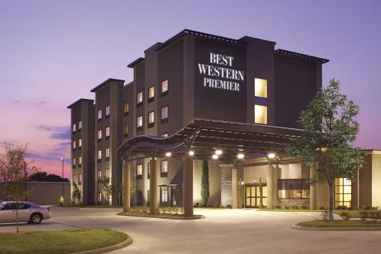‪‪Best Western PREMIER Bryan College Station‬: Evening Exterior‬