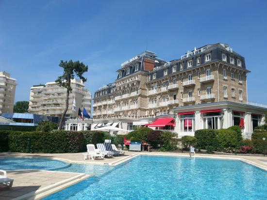 Ext rieur picture of hotel barriere le royal la baule for Hotels la baule
