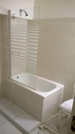 Hotel Paris Londres: banheiro