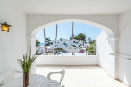 Apartamentos Ros : sea view