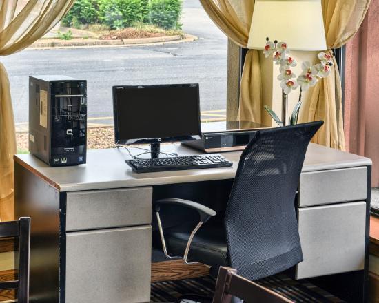 Quality Inn Fredericksburg, Central Park Area: Business Center