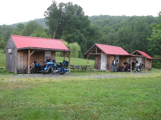 Hunt's Lodge: Cabins 2 & 3