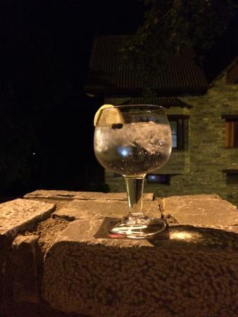 Camping Boltana : Terminar una gran cena con una buena copa y esta hermosa luna no tiene precio