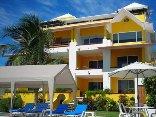 Casa Bonita and Villas: Pool area