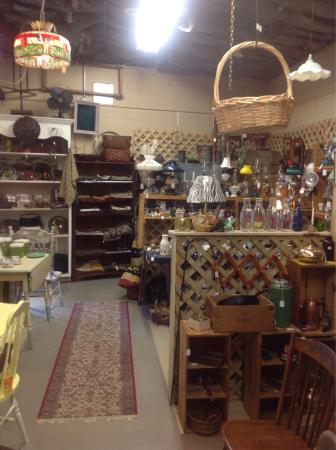 The Town Trader Antiques: Lots of things to look at and enjoy