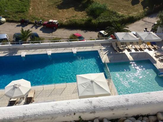 Plaza Skiathos Hotel: view from the roof terrace