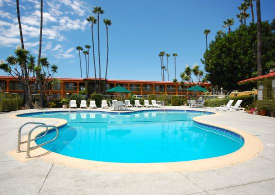 Vagabond Inn Costa Mesa/Orange County Airport: Relaxing Swimming Pool