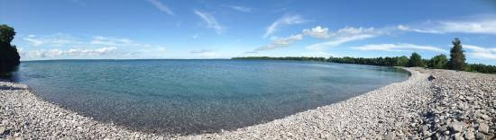 Prince Edward County, Kanada: Gorgeous pebbly beach on a secluded bay.